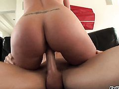 Angel Vain takes Johnny Sinss cum loaded meat pole in her hot mouth