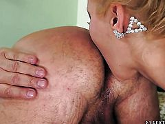Fuck hungry goddess just loves to fuck and cant say No to hard dicked guy