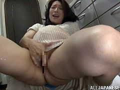 Masturbate as you watch this pregnant wife, with natural boobs and a nice ass, while she goes hardcore with a nasty dude in a reality video.