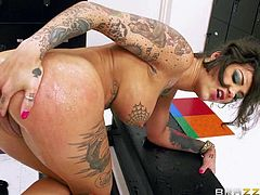 Well-stacked tattooed slut Bonnie Rotten with amazing body loves ass fucking, double penetrations and gangbangs. She gets her mouth, pussy and butthole attacked by Erik Everhard, Mick Blue, and Toni Ribas in this outstanding scene.