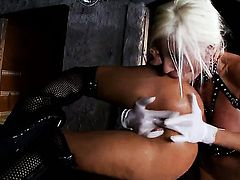 Blonde Puma Swede is a lesbian sex fuck addict that loves Sandys snatch so much