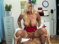 Provocative blonde slut with massive boobs rides hard shlong face to face. Then hot tempered dude pokes her pussy missionary style from behind.
