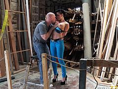Busty Eva Angelina likes it big and rough, and Johnny Sins has exactly what she wants, a big hard dick to drill her yummy asshole.