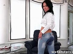 Denise Sky pisses in her tight jeans