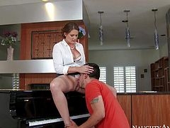 Milfy piano teacher Allison Moore in sheer stockings opens her legs on the piano and gets her meaty pussy tongue fucked by inexperienced guy. He learns more about proper pussy licked from dirty woman and then fucks her mouth.