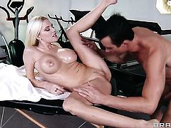 Riley Evans and horny dude Billy Glide are in the mood for anal sex