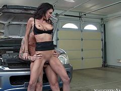Gorgeous milf Jessica Jaymes with long legs and big tits needs her car fixed and her pussy fucked hard by dirty car mechanic Richie Black. She takes his cock in her vagina every time she shows up in repair shop.