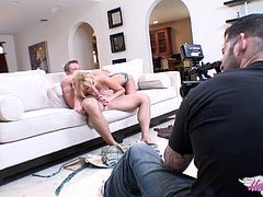 Sexy blonde Hanna Hilton and Bill Bailey are having a nice time in the living room. They have oral sex and bang in the missionary position. A must-see backstage clip.