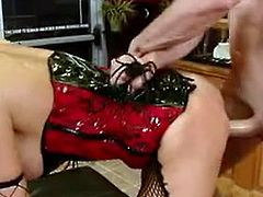 Erotic Imbecile Nika Noire cann't live without the disturbed  of having orgasmed onto her Mouth