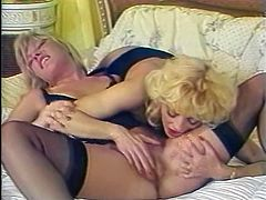 Blond haired seductive wifey dressed in sex suit decided to seduce her hot guy right at kitchen. He gave her awesome doggy style fuck. Have a look at that dirty fuck in The Classic Porn sex clip!