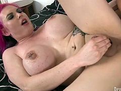 Hot tempered dude drills her throat ruthlessly and then rims her juicy anal hole. Then he inserts his shaft in her anus and pokes her without mercy.
