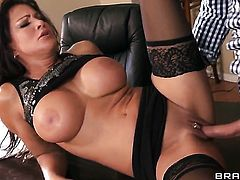Keiran Lee shows nice sex tricks to Teri Weigel with big boobs with the help of his sturdy dick
