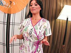 Asa Akira is one hot masseuse who knows how to give oral pleasure. She sucks her client's cock like there's no tomorrow. Damn, her cock sucking skills are above all praise!