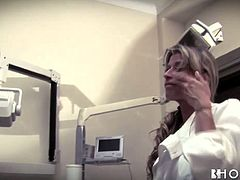 Sexy dentist Erica Fontes gives hot blowjob to her patient