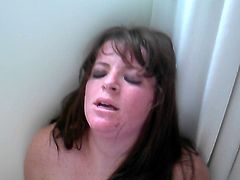 white girl cumin like crazy !!! on sybian  ... must see.