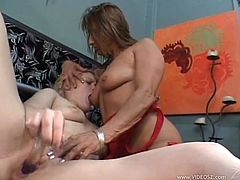 Charming Lesbians With Long Hair Yells As She Fingers Her Pussy