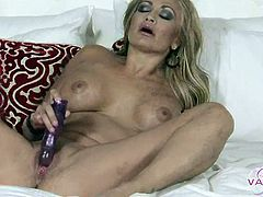 Claudia Valentine gets lewd with pussy toy. She surely feels good to unwind and release some stress. She loves some cum to relax her but for now, that vibrating toy is her stress reliever.