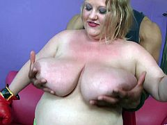 The sexy big beautiful woman Sienna Hills gets seduces by this hung black guy and takes a hard fuck up her delicious chubby pussy.