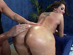 Sexy Brunette Gets Her Pussy Rammed After An Oiled Up Massage
