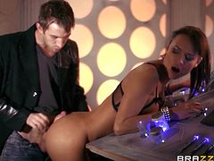 Beautiful brunette Franceska Jaimes is having a great time with Danny D. The cutie gives a perfect blowjob to the man and lets him drill her butt from behind.