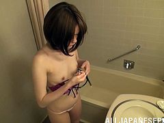 Take a look at the sexy Japanese babe Mirai Asano's sexy body in this hot clip where she wears a blindfolded right before this guy cum on her face.