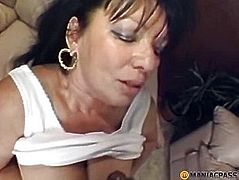 Man fucks bitch in her wet pussy
