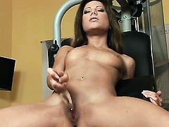 Anita Pearl does her best to turn you on in solo action