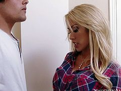 Lusty blondie with hot shapes Capri Cavanni gets presented nice cunnilingus
