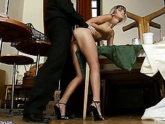 Brunette Doris Ivy fucks a lot before hot dude gets enough