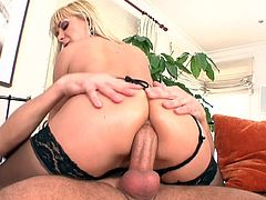 Ricky Silverado fucks with blonde Lea Lexis