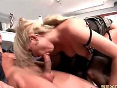 Secretary slut in sexy lingerie fucks her boss
