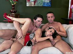 Gorgeous brunette milf Ava Addams is having fun with Keiran Lee and Manuel Ferrara indoors. Ava favours the guys with awesome blowjobs and allows them to fuck her pussy and butt at the same time.