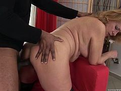 Chubby mature harlot gets her plump white pussy spooned by BBC