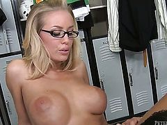 Peter North touches the hottest parts of sexy Nicole Anistons body before he fucks her mouth