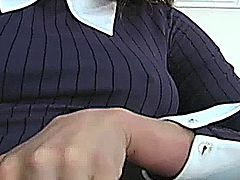 Glamcore babe in nylons working her pussy through her pantyhose