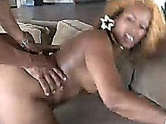 Black Slut Makes Her Juicy Booty Clap