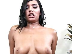 Shazia Sahari is curious about taking money shot on her lovely face