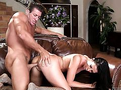 Larissa Dee is in the mood for snake sucking in oral action with Lee Stone