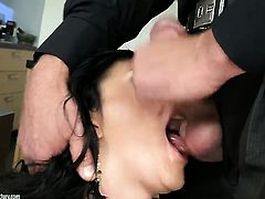 Teen Lexi Ward tries her hardest to make horny bang buddy bust a nut with her mouth