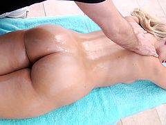 James Deen and Mia Malkova gets into a hardcore doggystyle banging action with a hot oiled handjob and titjob in masturbation.