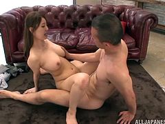 This is a nasty bang and blowjob scene with a nasty chick serving a huge cock and gets pussy hole drilled in hot orgasm.