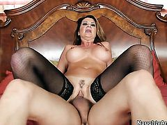 Xander Corvus gives gorgeous Raquel DeVines wet hole a try in hardcore action