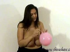 If you have a thing for either big boobs or balloons, then you will fucking love this busty Indian looner