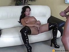 Man fucks bitch in her hole