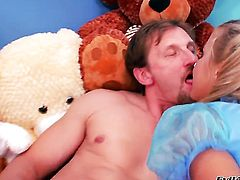 Mike Angelo uses his rock solid snake to bring Angelina Crow to the height of pleasure