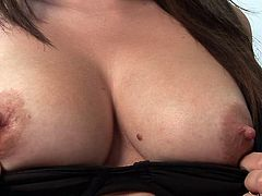 Sexy chick shows her beautiful tits and shaved pussy for the cam