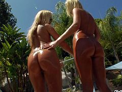 After some skinny dipping in the pool two chicks fuck a guy