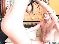 Christina Jolie with giant jugs and bald cunt puts her luscious lips on guys stiff meat pole