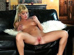 Niki Young is on fire in solo action