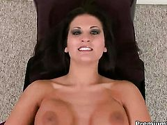 Austin Kincaid makes dudes sexual fantasies a reality with her help of her warm hands